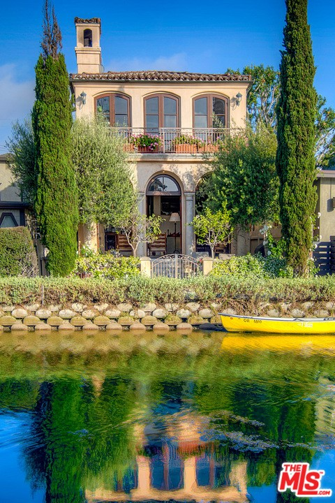 438 Howland Canal, Venice, CA 90291 photo 24