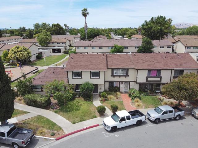 557 7 Trees Village Way  San Jose CA 95111