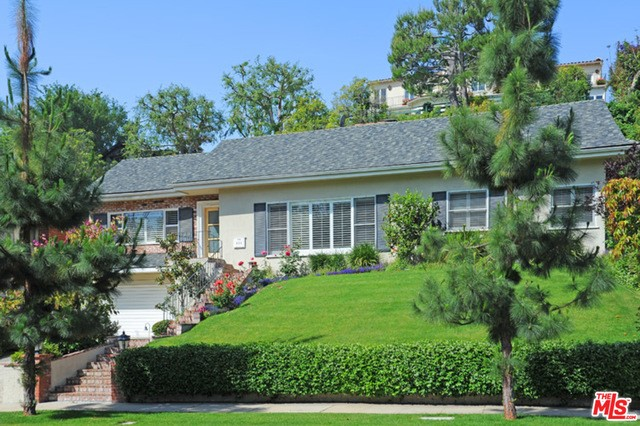 435 DALEHURST Avenue Los Angeles, CA  90024