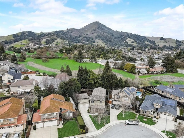 16745 Lone Hill Drive, Morgan Hill CA: http://media.crmls.org/mediaz/8894D3DC-5CA0-43B9-9B90-B28417737F06.jpg