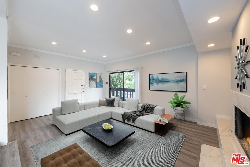 1702 Brockton Avenue # 5 Los Angeles CA 90025