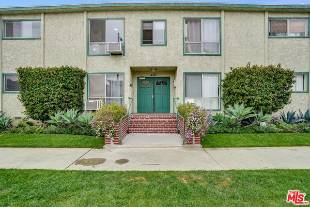 4361 Berryman Avenue, Los Angeles CA: http://media.crmls.org/mediaz/88E9BD98-45A0-4DDD-BF6B-595194D8CBCC.jpg