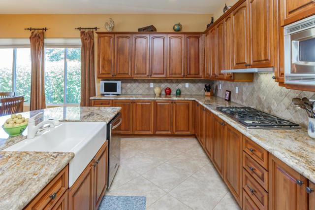 81410 Golf View Drive, La Quinta CA: http://media.crmls.org/mediaz/89094553-B5DF-4F20-96B1-6ED9399A4D63.jpg
