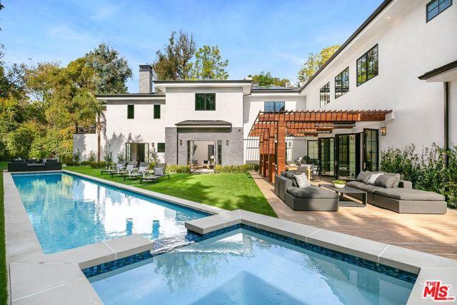 Photo of 11595 Sunset Boulevard, Los Angeles, CA 90049