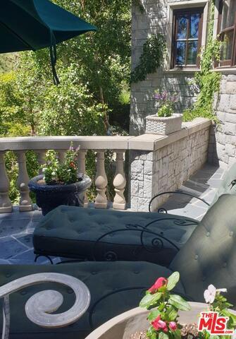 27417 NORTH BAY Road, Lake Arrowhead CA: http://media.crmls.org/mediaz/89F146CA-A906-4BDC-9350-FBCA50233B01.jpg