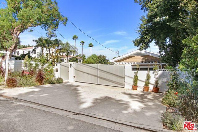 Photo of 14533 VALLEY VISTA BLVD, Sherman Oaks, CA 91403