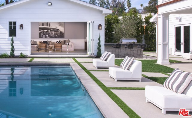 Single Family Home for Sale at 16606 Huerta Road Encino, California 91436 United States