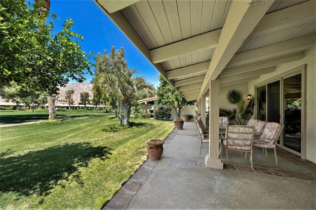 78255 Hacienda Drive, La Quinta CA: http://media.crmls.org/mediaz/8AC7316E-56A1-444D-A907-68B2FC47F023.jpg