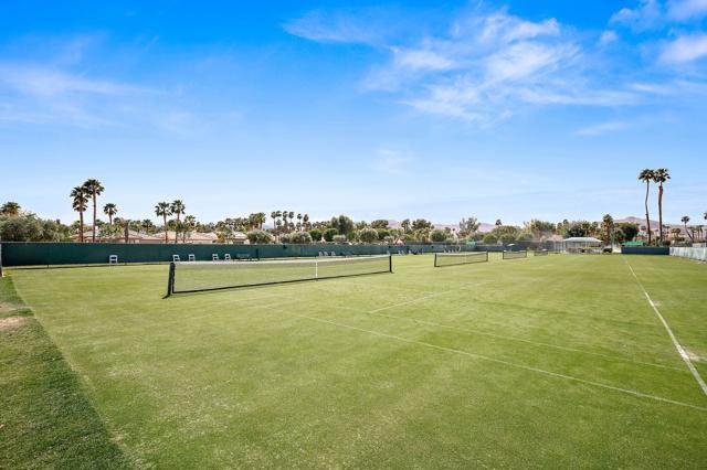 369 Wimbledon Drive, Rancho Mirage CA: http://media.crmls.org/mediaz/8B077612-D639-4E6A-A73C-AD2D61171FE1.jpg