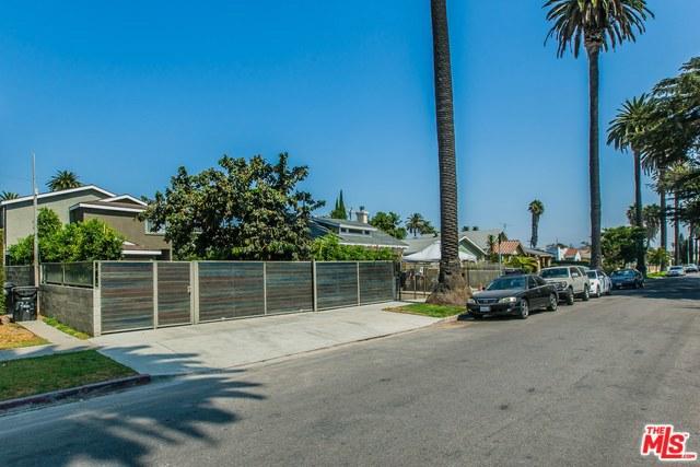 2741 S PALM GROVE Avenue, Los Angeles CA: http://media.crmls.org/mediaz/8B69A467-2773-4B95-AB3E-C4571626D2F2.jpg
