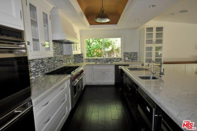 550 WARNER Avenue, Los Angeles CA: http://media.crmls.org/mediaz/8B6CAC8E-AD50-4D07-A574-F96178A252D3.jpg