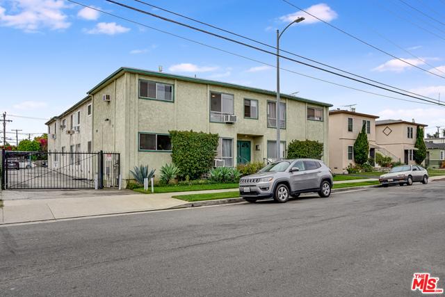 4361 Berryman Avenue, Los Angeles CA: http://media.crmls.org/mediaz/8B72C91E-5FE3-4935-AC12-11F6644474C6.jpg