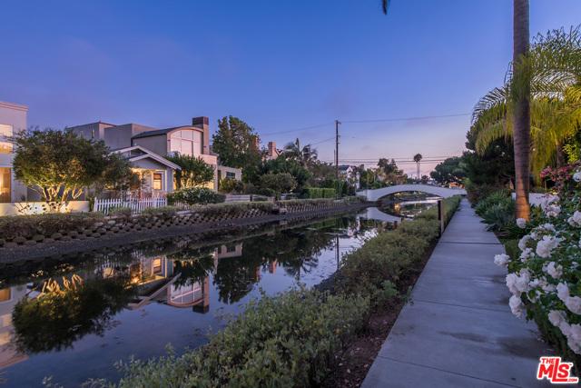 412 Howland Canal, Venice, CA 90291 photo 9