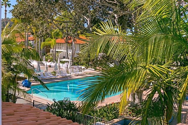 2006 Costa Del Mar Road, Carlsbad CA: http://media.crmls.org/mediaz/8BD49F12-27D3-48F9-AC00-823F4A932C0E.jpg