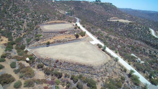 1 Murel Trail, Poway CA: http://media.crmls.org/mediaz/8C583168-B5C5-4F12-A5ED-9B5EE639E6AA.jpg
