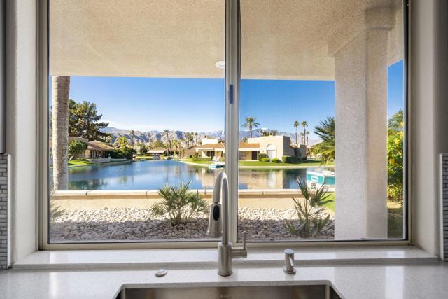 212 Desert Lakes Drive, Rancho Mirage CA: http://media.crmls.org/mediaz/8C989ACB-64DC-426D-8C49-A73783DBEDAC.jpg