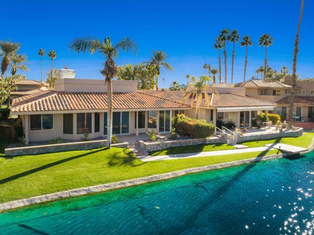 212 Desert Lakes Drive, Rancho Mirage CA: http://media.crmls.org/mediaz/8CA83ACD-2234-4B69-BB88-807C07E8D418.jpg