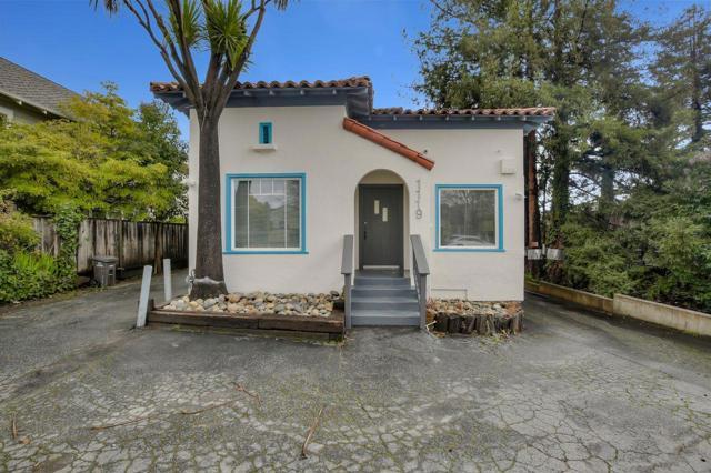1119 Mission Street, Santa Cruz CA: http://media.crmls.org/mediaz/8CBC99EA-74C0-4FCA-A957-643EB7C5D2BE.jpg