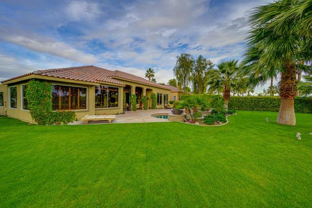81155 Legends Way, La Quinta CA: http://media.crmls.org/mediaz/8CBE6B3C-6064-4792-A667-A7A8FA362D25.jpg