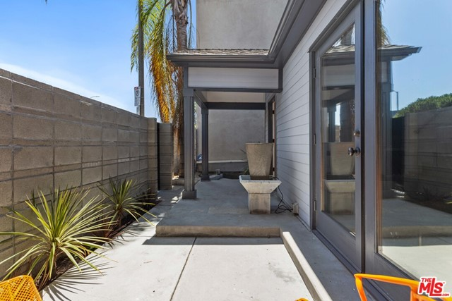 221 Windward Ave, Venice, CA 90291 photo 49