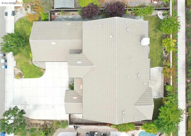 161 Coral Bell Way, Oakley CA: http://media.crmls.org/mediaz/8CE89E02-F7AC-4797-A563-94C4E2A74B24.jpg