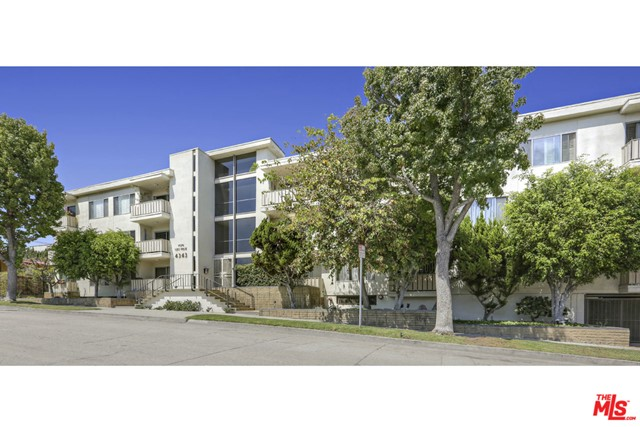 4343 Finley Avenue, Los Angeles CA: http://media.crmls.org/mediaz/8CF31BDA-9774-41EE-82F5-0AB5AB66ABB4.jpg
