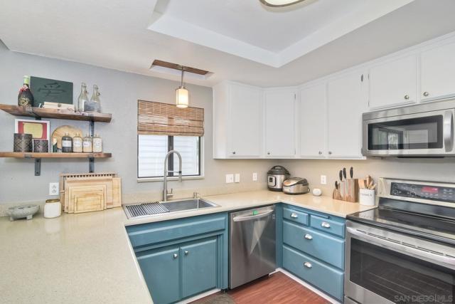 660 Sabrina Terrace, Ramona CA: http://media.crmls.org/mediaz/8CF6A478-1A51-46F1-B2D1-CEECF7DE51C8.jpg