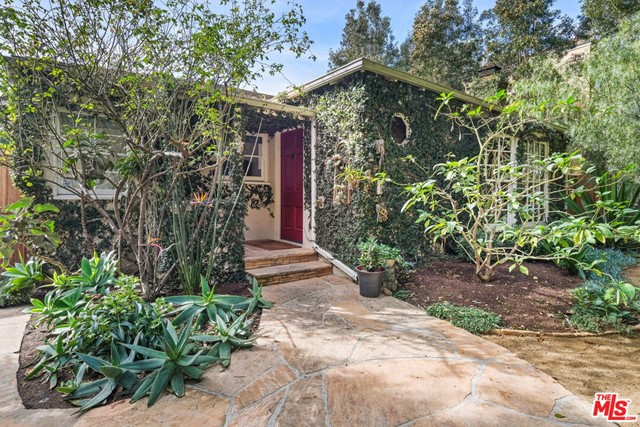 2444 Cloverfield Blvd, Santa Monica, CA 90405