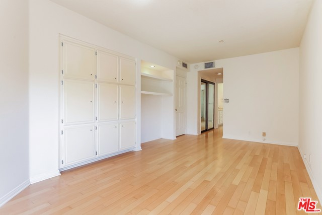 110 Ocean Park Bl, Santa Monica, CA 90405 Photo 15