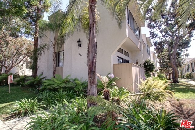 954 20TH D Santa Monica CA 90403