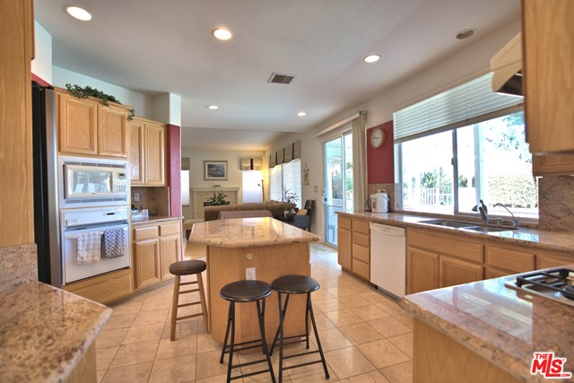 18503 Stonegate Lane, Rowland Heights CA: http://media.crmls.org/mediaz/8D9A3865-ECC0-4D5B-AF6D-FD777D0287FC.jpg