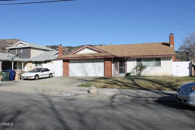 438 Mountain View Street, Fillmore CA: http://media.crmls.org/mediaz/8DEA9617-5F64-4D4C-87B4-2985FFA99A78.jpg