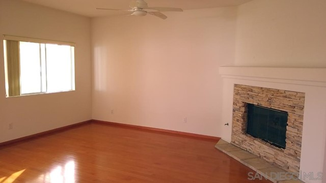 452 Lexington Cir, Oceanside CA: http://media.crmls.org/mediaz/8DFDE9F1-6159-4056-84AD-D36405A6E3FF.jpg
