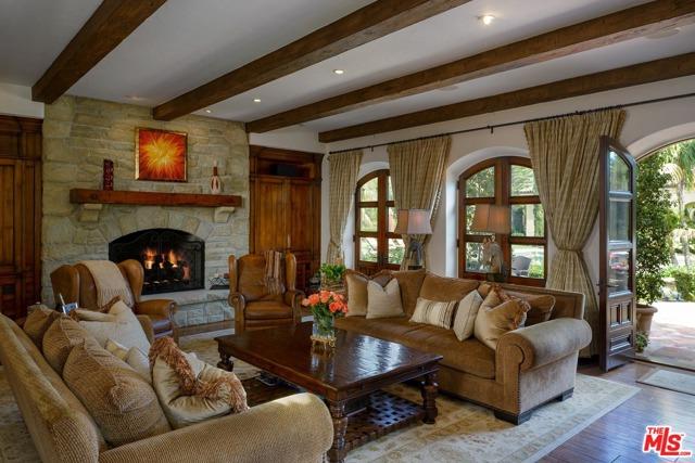 416 Meadowbrook Drive, Montecito CA: http://media.crmls.org/mediaz/8E3BA5E7-CA98-4FBD-BC42-9147957A2B73.jpg
