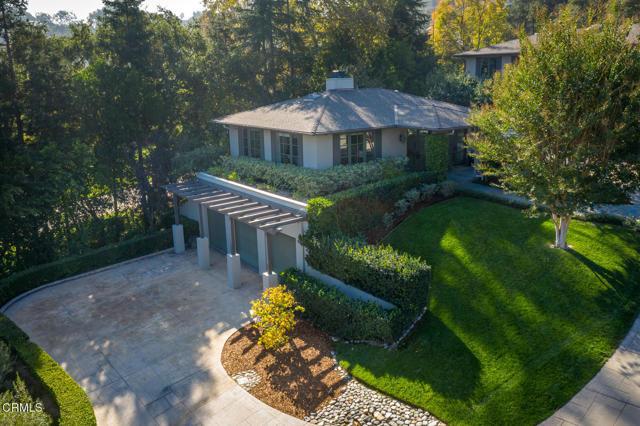 4055 Chevy Chase Drive, La Canada Flintridge CA: http://media.crmls.org/mediaz/8E545679-5827-4EFE-A43E-0AC45C05346D.jpg