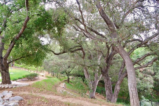 4240 Woodleigh Lane, La Canada Flintridge CA: http://media.crmls.org/mediaz/8E617F53-6BD7-48A3-8CF7-8160E04F1723.jpg