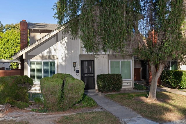 Detail Gallery Image 1 of 26 For 5242 Fino Dr, San Diego,  CA 92124 - 4 Beds | 1/2 Baths