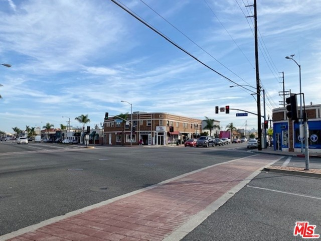 24606 NARBONNE Avenue, Lomita CA: http://media.crmls.org/mediaz/8E92098F-D189-4F7A-9CA1-16C9CBE8C134.jpg