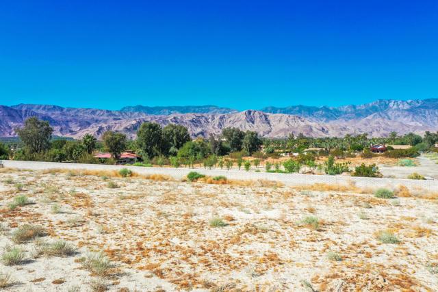 7 Mountain Vista Court, Rancho Mirage CA: http://media.crmls.org/mediaz/8EB918E8-5EAA-46C3-94AA-43F7D119A605.jpg