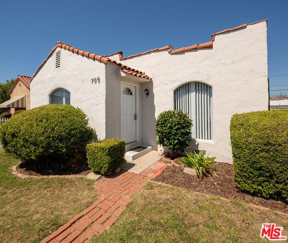705 Brooks Ave, Venice, CA 90291 photo 1