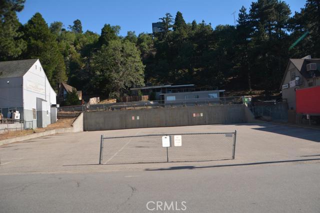 26567 Pine Avenue, Rimforest CA: http://media.crmls.org/mediaz/8F0C2CC6-0DA0-49AA-8C8D-83F92811B913.jpg