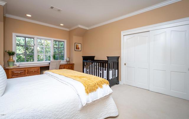 511 Berkshire Avenue, La Canada Flintridge CA: http://media.crmls.org/mediaz/8F45A90D-6868-43CF-9AD1-CD801F71D4A8.jpg