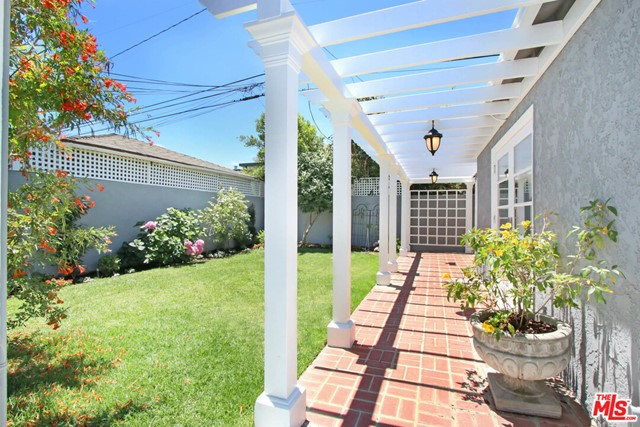 4247 Le Bourget Ave, Culver City, CA 90232 photo 13