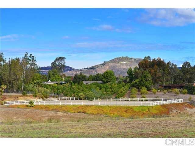 6710 El Montevideo, Rancho Santa Fe CA: http://media.crmls.org/mediaz/8F88B9A8-D875-43E6-BFA5-D0B7752F24F3.jpg