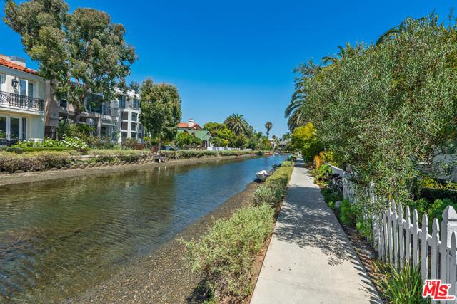 412 Howland Canal, Venice, CA 90291 photo 47