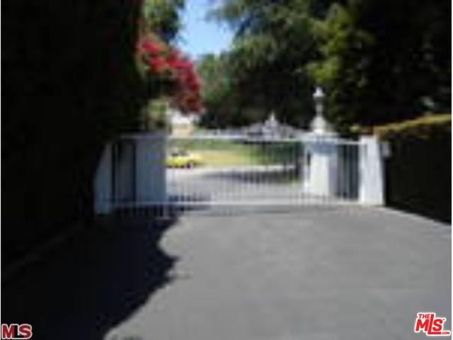 Photo of home for sale at 5242 Los Feliz Boulevard, Los Angeles CA