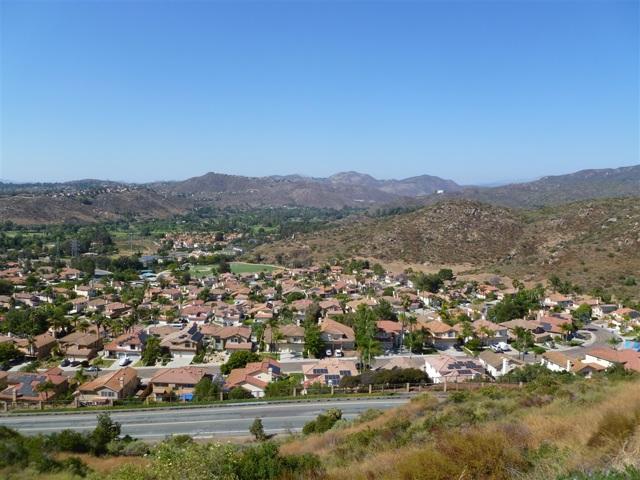 3251 Vista Cielo Ln, Spring Valley CA: http://media.crmls.org/mediaz/90898DC9-4309-4F80-B774-CA44545FE576.jpg