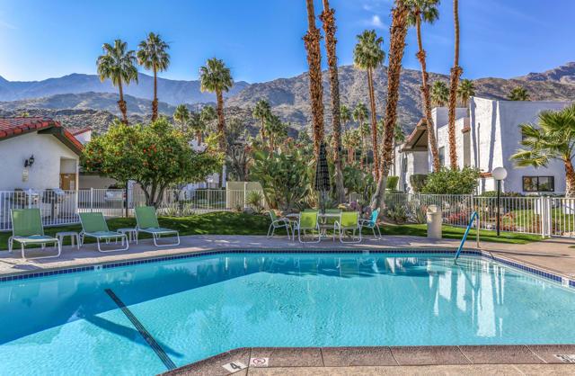 2250 S Palm Canyon Drive, Palm Springs CA: http://media.crmls.org/mediaz/9098E424-3DD5-45A0-9646-A3D04F9F34DA.jpg