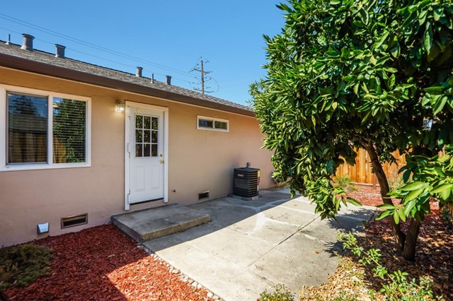 618 Cypress Avenue, San Jose CA: http://media.crmls.org/mediaz/90B059AE-9F64-4C64-848A-F58E9BDC7A92.jpg
