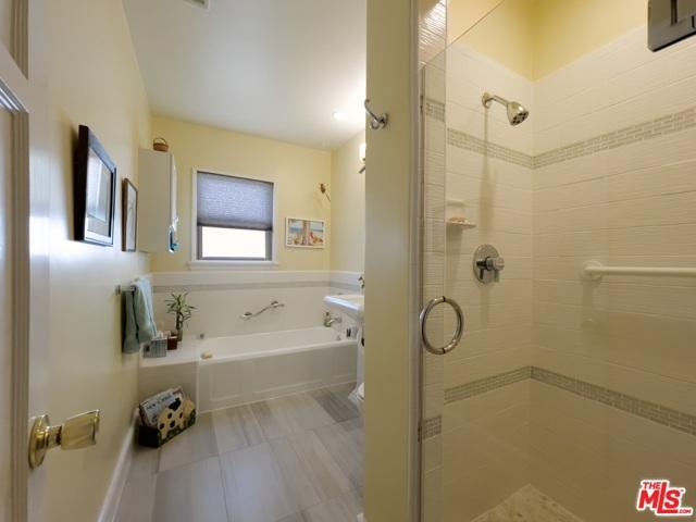 4423 Elmer Avenue, Studio City CA: http://media.crmls.org/mediaz/90B7923B-9848-4539-BA1A-0B6859C77D72.jpg